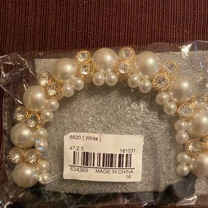 Jewelry neclklaces ( free earrings )